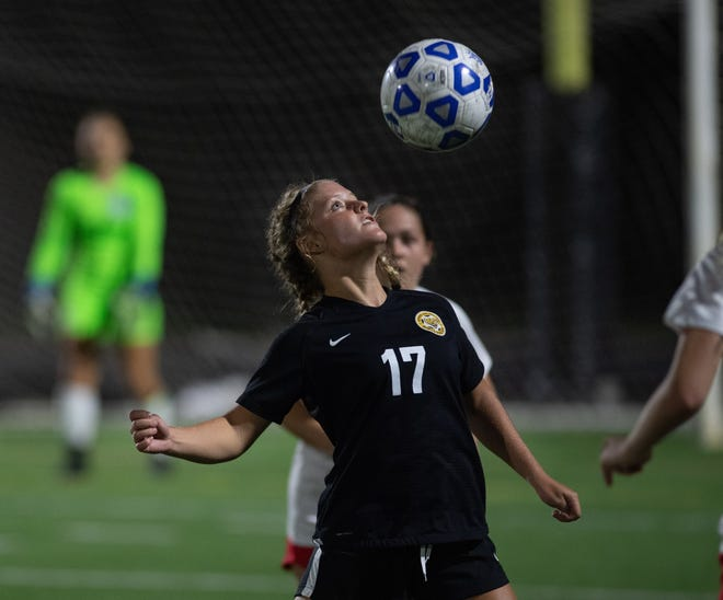 Kampbell Stone and Upper Arlington defeated New Albany 2-1 (4-2 shootout) on Oct. 31 to capture a Division I district title.
