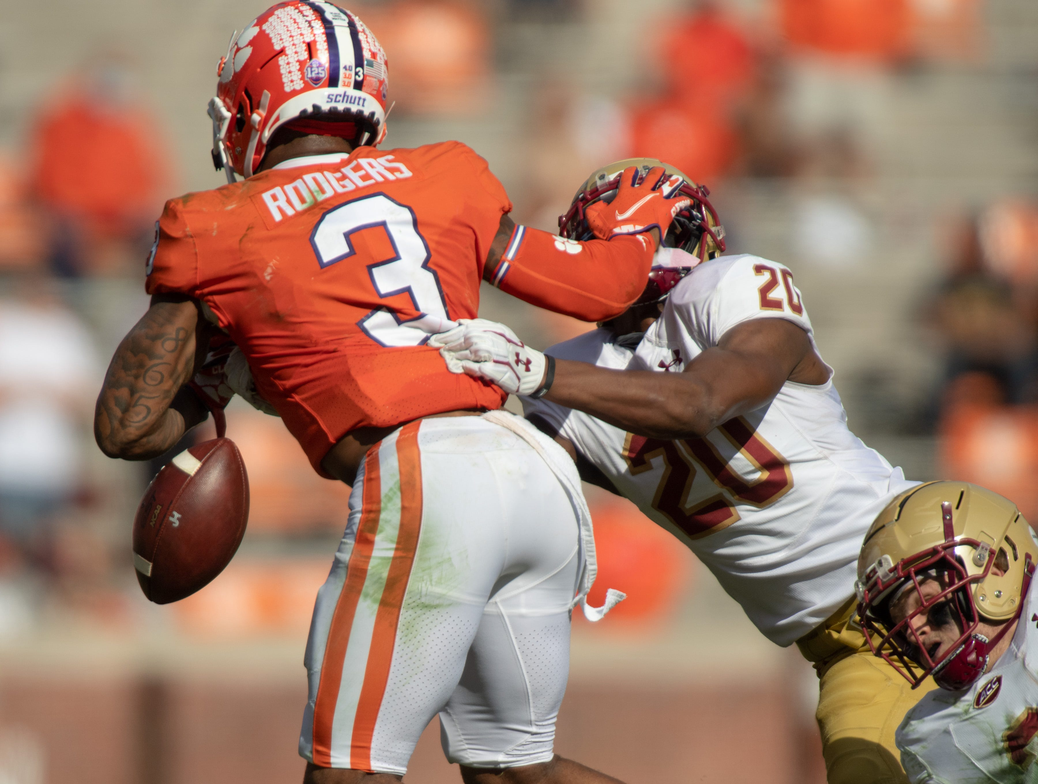 Clemson holds on to the top spot in the latest Amway Coaches Poll