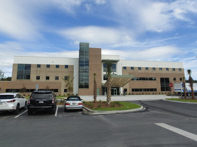 The new Beaufort Memorial Okatie Medical Pavilion opened Monday, offering more access to primary and specialty care in southern Beaufort and Jasper counties.