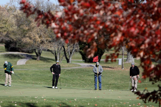Golfers enjoy the nice fall weather Saturday at Burlington Golf Club. Keep those clubs in the trunk as the pleasant fall weather is forecasted to last through the week with temperatures in the upper 60's to low 70's.