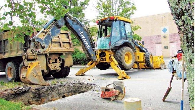 Demolition at Oak Ridge Mall occurred in 2016