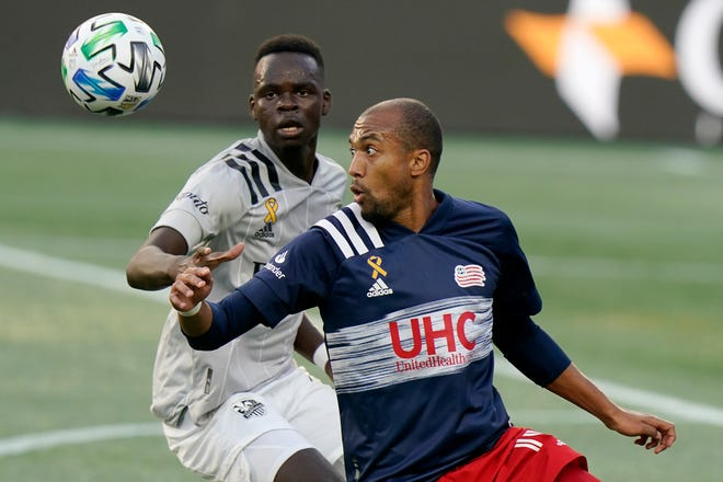 Teal Bunbury scored twice and the New England Revolution overcame an early two-goal deficit to beat D.C. United, 4-3, on Sunday night.