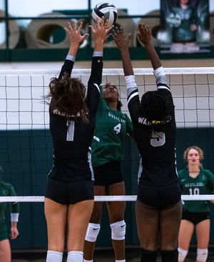 Sophomore middle hitter Kiera Bonds, center, was honorable mention all-league for the Westland girls volleyball team. The Cougars finished 3-18 overall and 0-10 in the OCC-Ohio Division.