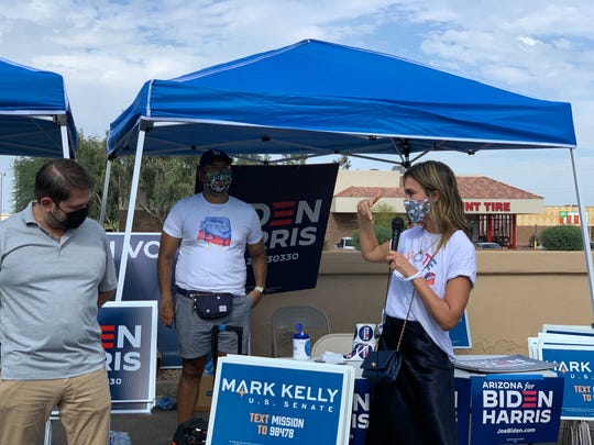On November 2, Jessica Alba stopped at polling places in Phoenix to help educate voters on how they can vote and meet supporters.