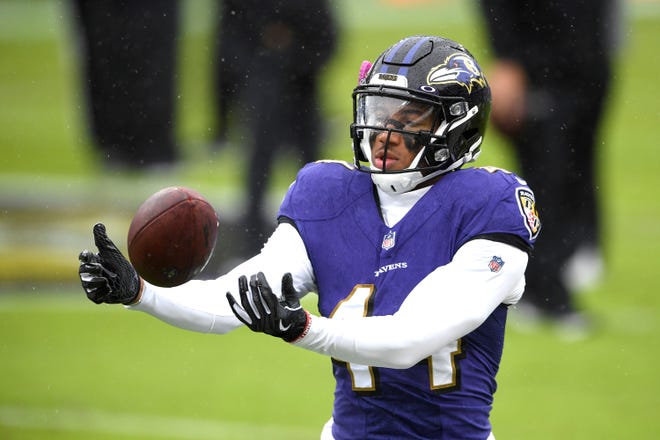 Baltimore Ravens cornerback Marlon Humphrey works out prior to an NFL football game against the Pittsburgh Steelers, Sunday, Nov. 1, 2020, in Baltimore. (AP Photo/Nick Wass)