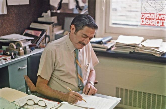 Setelah dinas perangnya, Frank Caruso memperoleh gelar periklanan dari Pratt Institute dan bekerja untuk biro iklan NYC sebelum mendapatkan pekerjaan di American Can Company di New York dan, kemudian, Greenwich. dimana dia tinggal selama 31 tahun. Frank Caruso akan menandai ulang tahunnya yang ke-100 pada 19 November 2020.
