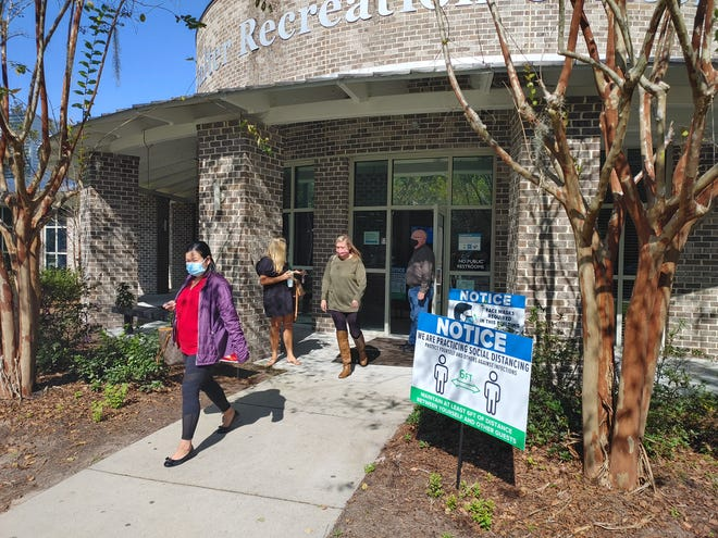 Bluffton voters experienced short wait times at the Buckwalter Recreation Center around noon on Election Day.