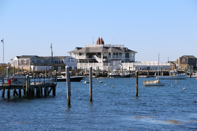 An environmental group has filed a complaint with the federal Environmental Protection Agency claiming that sewage is being regularly discharged into Sakonnet Harbor, the site of the high-end Sakonnet Point Club.