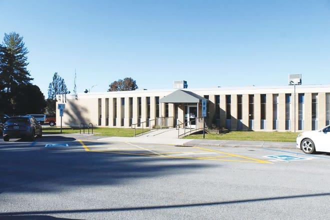 The handicap entrance to vote at the Oak Ridge Municipal Building,