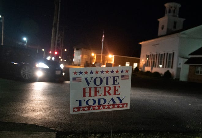 Election day in Portage County. A vote here sign at the entrance for voters at the Randolph Community Center.