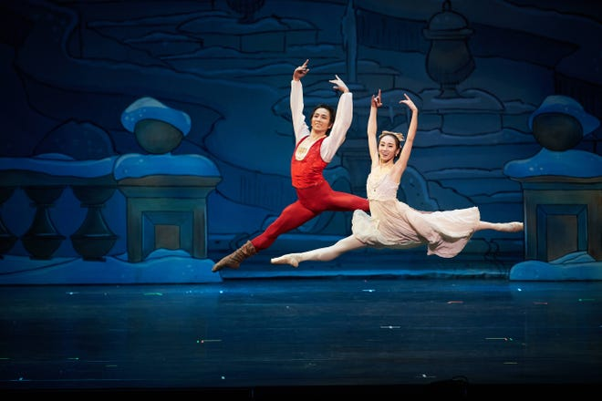 "Eugene Ballet former principal dancers Hirofumi Kitazume (red) and Yuki Beppu (white) in 2017's ""The Nutcracker."""