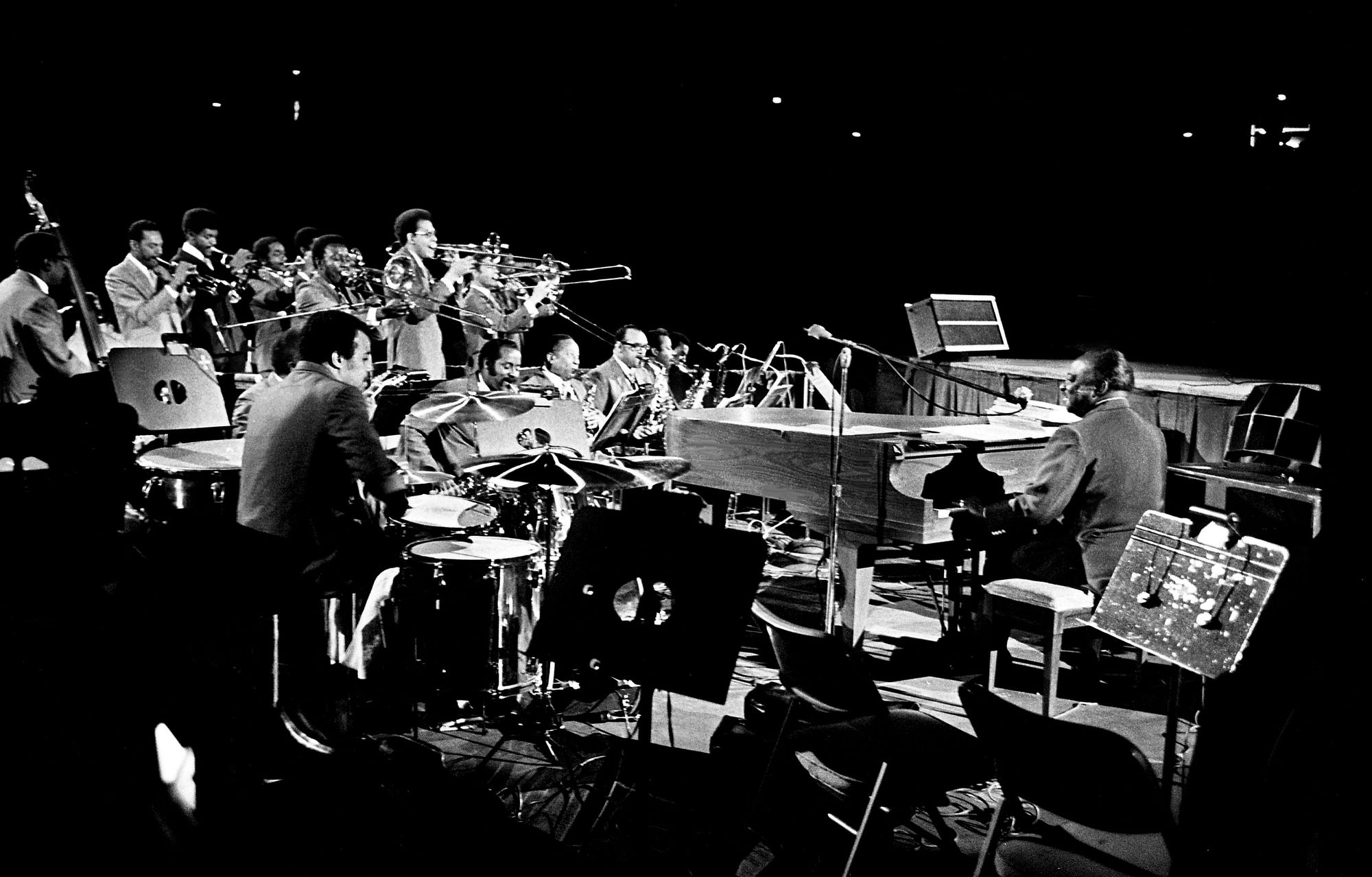 Count Basie, right, and his orchestra open the concert with Tom Jones as the featured act at the Municipal Auditorium July 8, 1970.