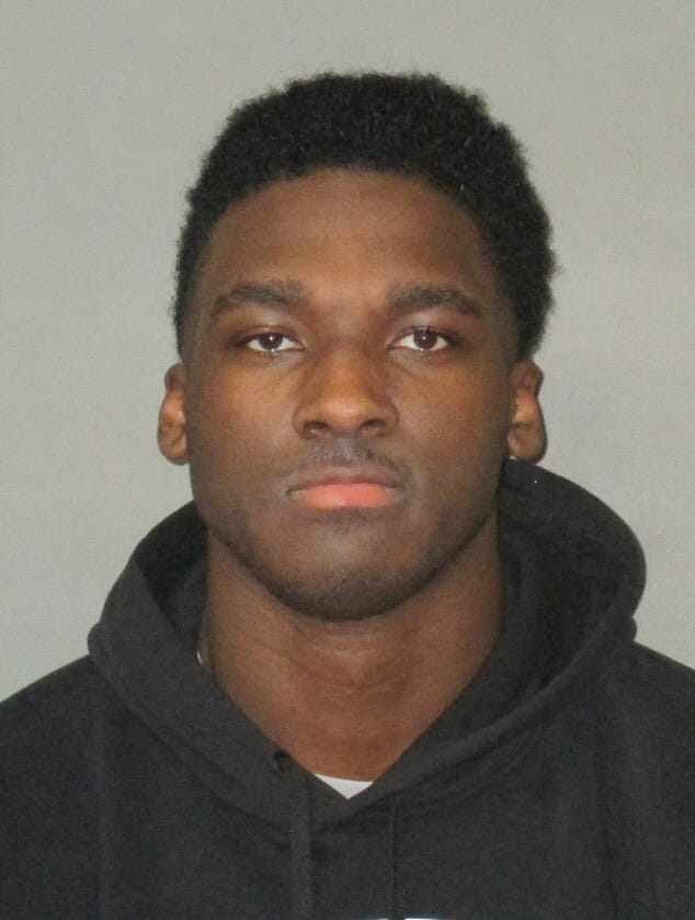 Former LSU wide receiver Drake Davis pleaded guilty to two assaults.