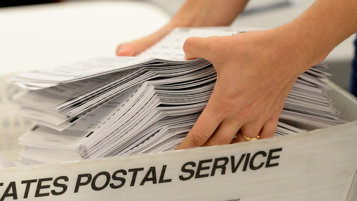 Pennsylvania postal worker denies recanting fraud claim