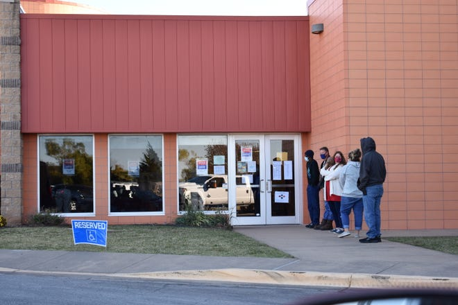 Lines at the polls.