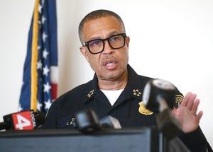 Kepala Polisi Detroit James Craig mengadakan konferensi pers tentang seorang petugas yang terlibat penembakan dalam file foto 4 November 2020 ini.