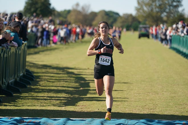 Former Houston High cross country standout Anna Tankersley, now a junior at Union University, was recently presented with the Gulf South Conference Champion Scholar Award. On the same day, she finished 25th at the GSC Championships with a time of 19:24.