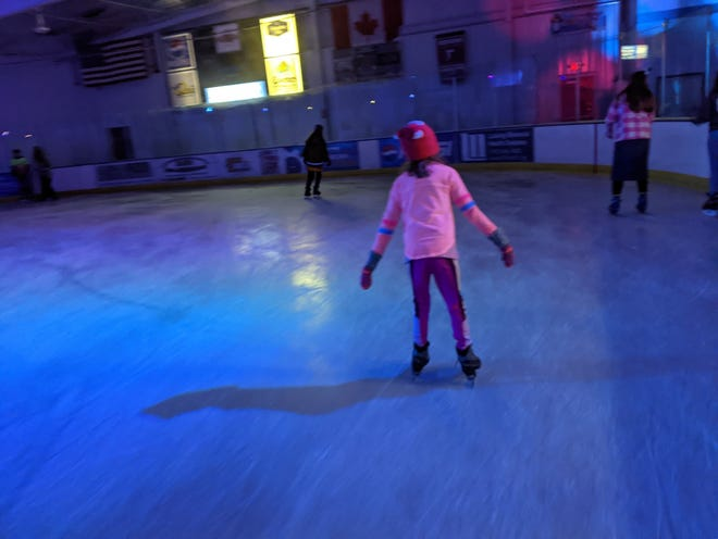 A trip to the skating rink with her kids helps Abbey find her groove.