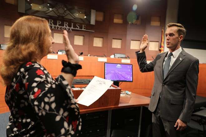 Jack Hastings is sworn in as District 5 council member at Surprise City Hall on Nov. 3, 2020.
