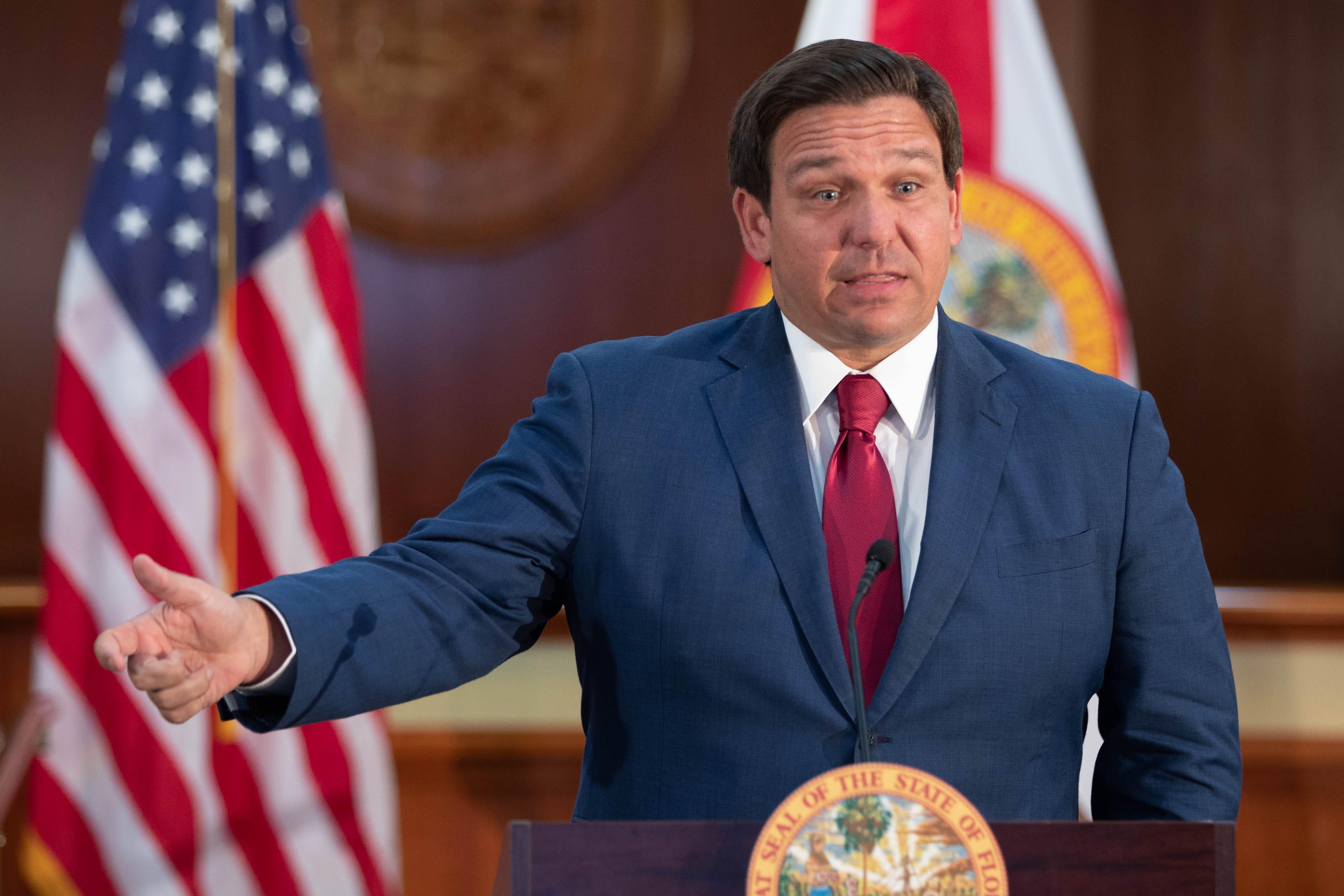 """Gouverneur von Florida verbietet Impfstoff Pässe: """"Völlig inakzeptabel"""""""