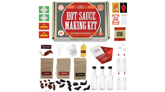Best DIY gifts: Hot Sauce Kit