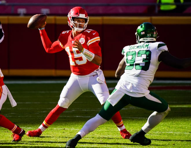 Kansas City Chiefs quarterback Patrick Mahomes (15) throws a pass in Sunday's win over the New York Jets.