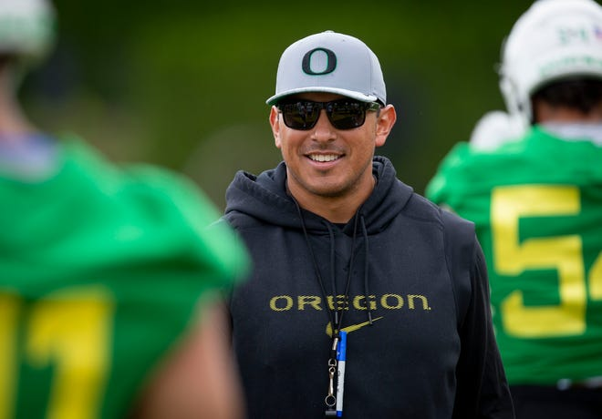 Oregon Ducks defensive coordinator Andy Avalos is reportedly one of the leading candidates for the Boise State head coaching job.