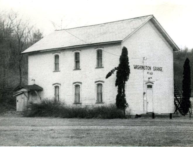 Pleasant Valley High School served the students of Washington Township in the late 1800s and early 1900s.