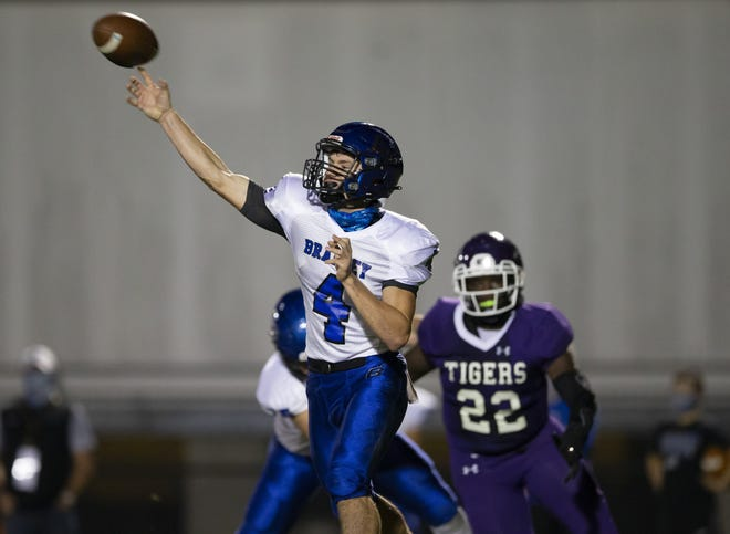 Senior quarterback A.J. Mirgon was first-team all-league after completing 92 of 183 passes for 1,100 yards and nine touchdowns. He also rushed for a team-high 1,031 yards and eight scores.