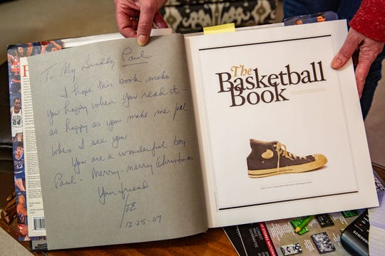 A book Joe Biden sent to Paul Heddens as a Christmas present in 2007.