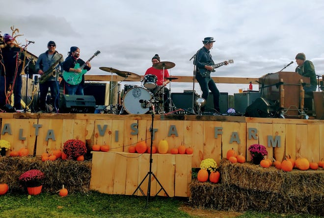 G.Love and The Juice perform at Alta Vista Farm