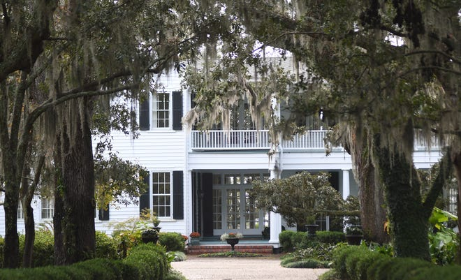 The Wilmington city council voted on Wednesday to designate the property located at 7413 and 7417 Masonboro Sound Rd. in Wilmington as a local historic landmark. The property is known as the Cazaux-Williams-Crow House.  [MATT BORN/STARNEWS]
