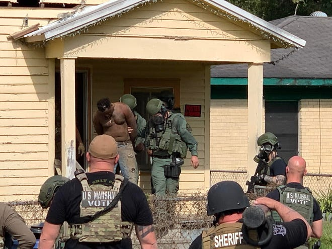 The U.S. Marshal's Office and St. Landry Parish Sheriff's Office arrest a man wanted in Morehouse Parish who had barricaded himself in a home.