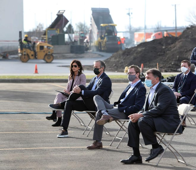 South Dakota Gov. Kristi Noem and the state's congressional delegation -- Sen. John Thune, Rep. Dusty Johnson and Sen. Mike Rounds -- attended Friday's event to mark the expansion of 3M's Aberdeen plant. Work on the addition continues in the background.