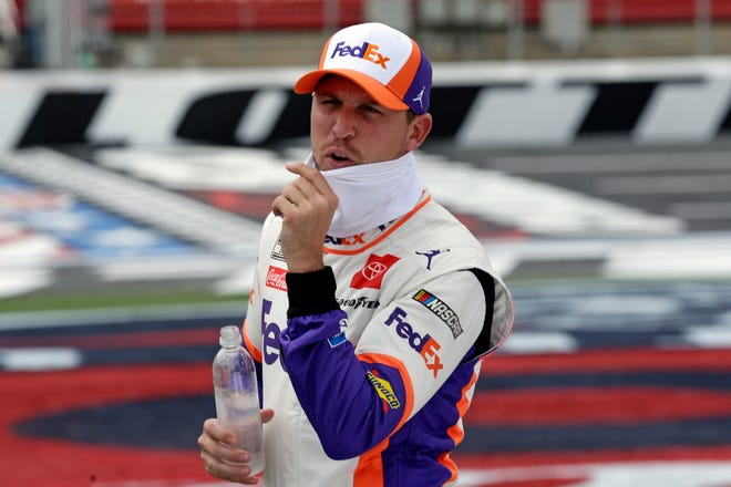 It's Denny Hamlin's turn again, without rival Kevin Harvick in his way, in Sunday's season finale at Phoenix Raceway.