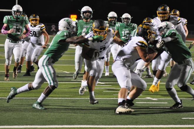 Denison's Asa Osbourn had 124 yards and three touchdowns on 13 carries as the Yellow Jackets beat Lake Dallas in District 7-5A (II) play.