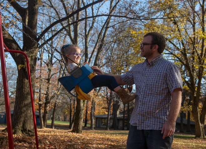 Ginny Sisul, 3, and her father, Jonathan Sisul, at Wingfoot Lake State Park in Suffield.