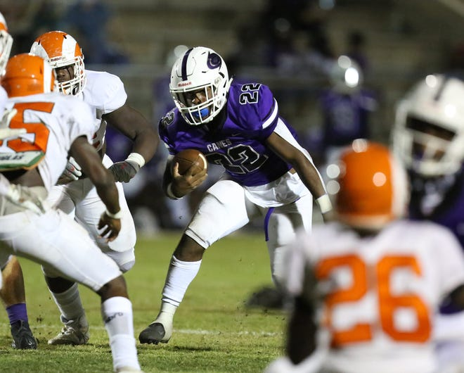 Gainesville running back Kyree Edwards (22) scored the game's only touchdown in the Hurricanes' win last Friday.