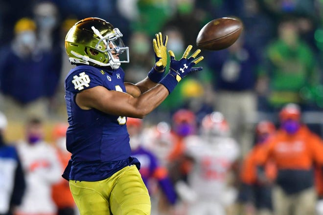 Notre Dame receiver Avery Davis catches a fourth-quarter pass against Clemson on Saturday. [Matt Cashore/Pool Photo via AP]