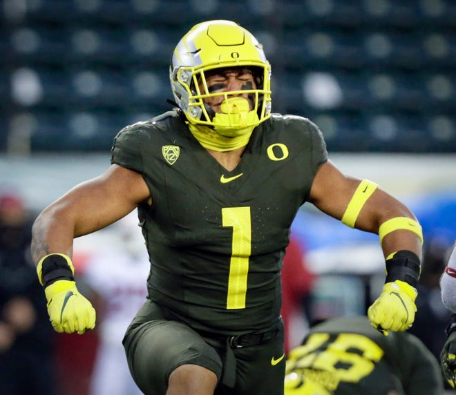 Oregon Ducks linebacker Noah Sewell (1) celebrates a tackle in the first quarter of the Ducks Pac12 game against Stanford University on Nov. 7, 2020, in Eugene.
