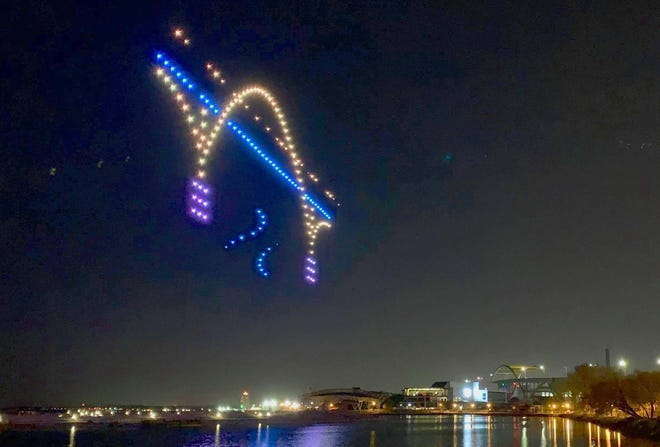 A mysterious light show over the Summerfest grounds had Milwaukeeans wondering what was going on. It turned out to be a practice run for a holiday light show by drones.