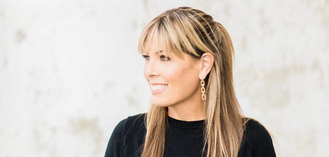 Columbia author Jill Orr