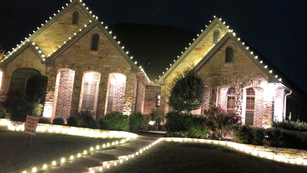 Veteran Goes From Fighting In Iraq To Bringing Joy With Holiday Lights