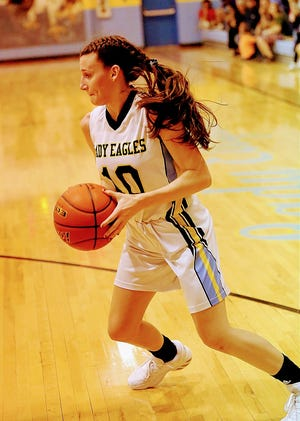 Bailey Ramsey (10) was one of five Evans players in double figures on Saturday in the Lady Eagles' win over Converse
