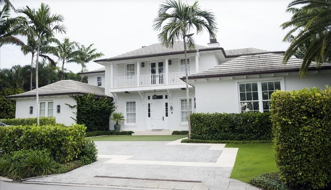 Outback Steakhouse co-founder and Landmarks Preservation Commissioner Tim Gannon has sold, for a recorded $6.9 mllion, this house at 243 Nightingale Trail, which he acquired in 2019.