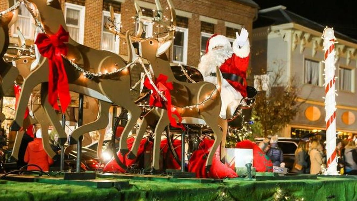 Exeter Christmas Parade 2020 Exeter reinvents Holiday parade amid global pandemic