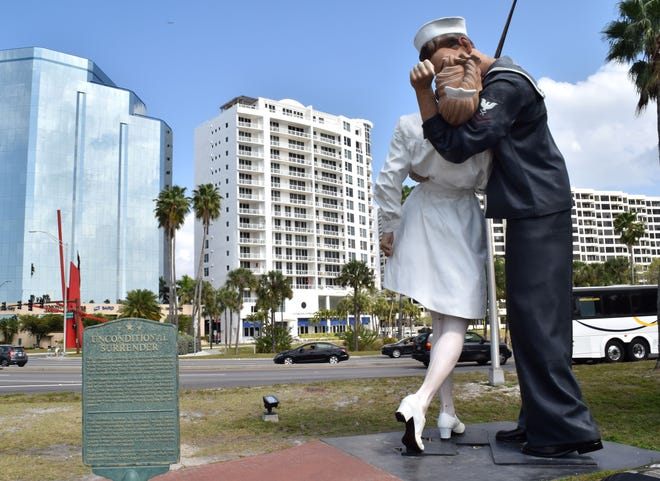 """The """"Unconditional Surrender"""" sculpture in 2019. Sarasota city commissioners will discuss a new location for the statue at Monday's meeting."""