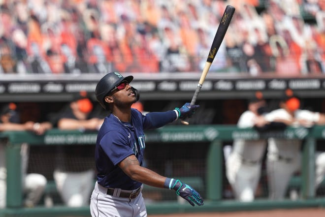 Mariners center fielder Kyle Lewis is the 2020 AL Rookie of the Year.