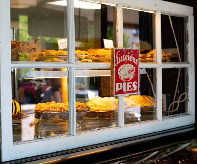 Crust in Fenton is offering a virtual pie-baking class.