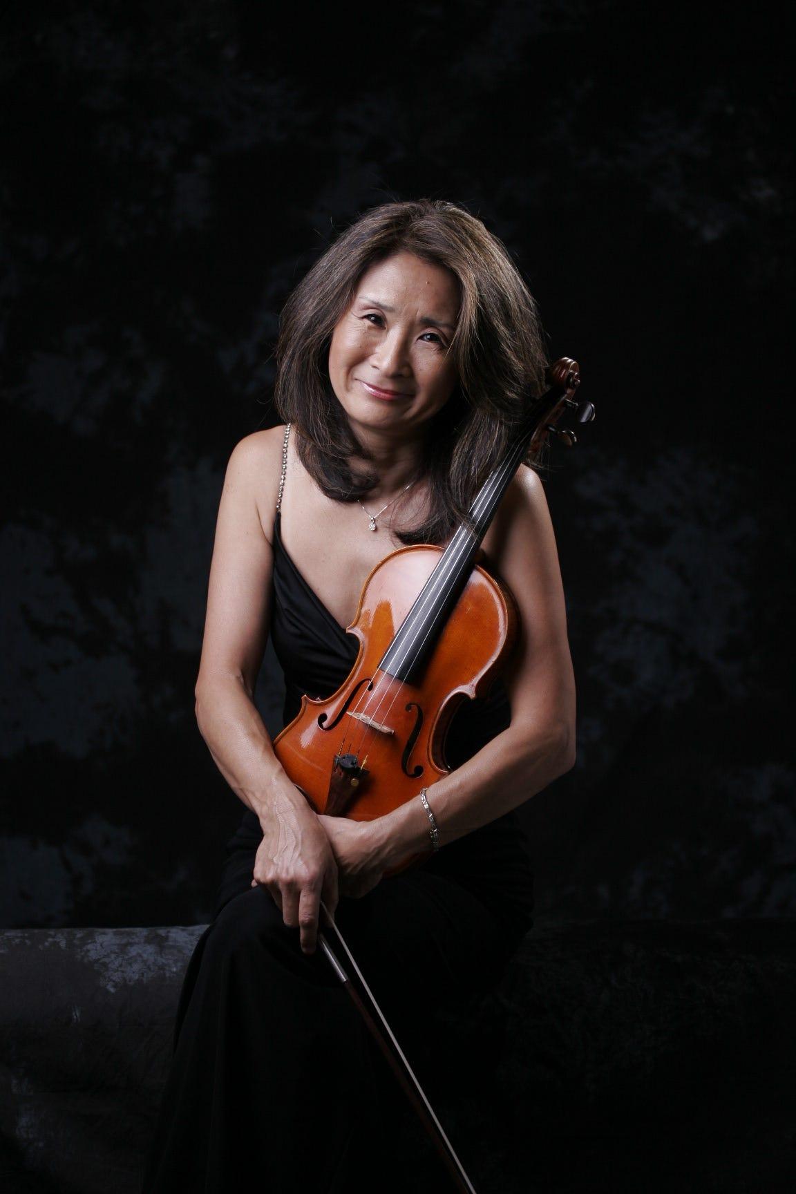 Southwest Florida Symphony violinist Reiko Niiya resigns. Or did she?